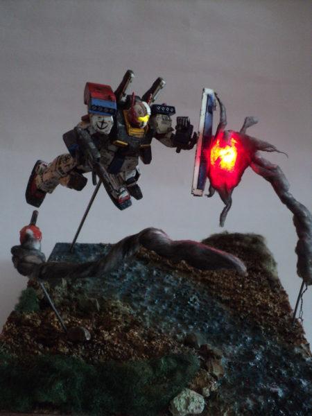 gmiii--rgm-86r-diorama-under-attack_21298710074_o